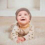 赤ちゃんの笑った顔