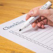 チェックリスト用紙とペン