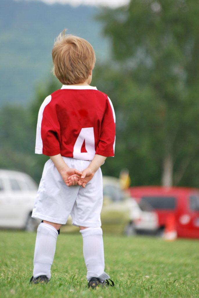 新小学3年生のサッカー選手たちに効果的だった『考えて創造させる』メニューとは?