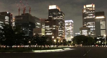 皇居外苑から東京駅