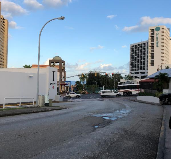 グアムプラザホテル前通り