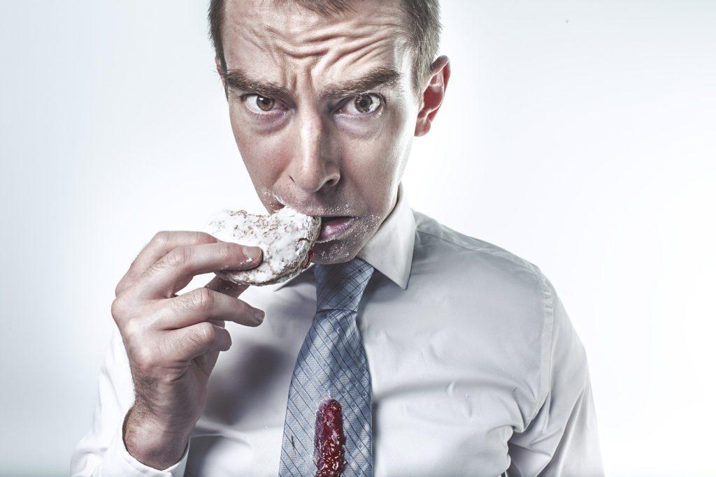 ソイジョイ×カロリーメイトを2か月食べ続けたダイエットの効果とは?失敗回避する1つの方法